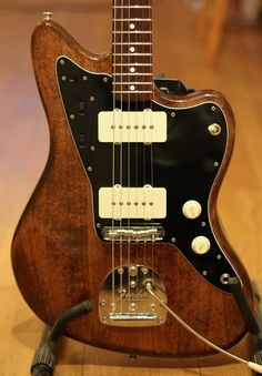 Costello Jazzmaster: beautiful wood finish.