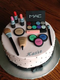 Trendy Ideas For Birthday Makeup Cake # Birthdays ma. Trendy Ideas For Birthday Makeup Cake # Birthdays makeup Trendy Ide Makeup Birthday Cakes, Birthday Cake For Mom, Birthday Cakes For Women, Birthday Cupcakes, 13th Birthday, Make Up Torte, Make Up Cake, Girly Cakes, Fancy Cakes