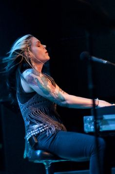 Beth Hart (January 24, 1972) American singer, songwriter and pianist.