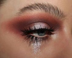 beauty / make-up / maquillage Glam Makeup, Love Makeup, Skin Makeup, Makeup Inspo, Makeup Inspiration, Beauty Makeup, Hair Beauty, Glitter Makeup, Makeup Eyeshadow