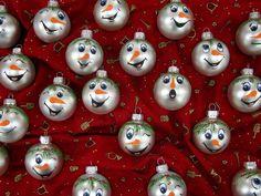 kestballen met sneeuwpopgezichtjes, snowmanfaces