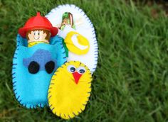 Felt pocket eggs: reusable and extremely cute. Genius!