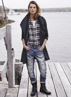 Daria Werbowy in a plaid shirt and ripped jeans. // Mango Fall 2014