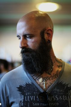 Well here are some Irresistible Bald Men with Beard. These are some Beard Styles with Shaved Head that you can try. Beards And Mustaches, Moustaches, Bald Men With Beards, Bald With Beard, Great Beards, Beard Love, Awesome Beards, Long Beards, Long Beard Styles