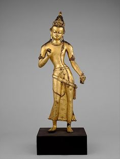 The Bodhisattva Maitreya, the Buddha of the Future. Nepal (Kathmandu Valley), 10th century. Copper alloy with gilding and color, h. cm. 66. New York, The Metropolitan Museum.