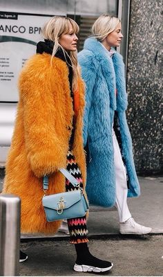 The Best Street Style Inspiration & More Details That Make the Difference Fur Fashion, Only Fashion, Fashion Week, Winter Fashion, Womens Fashion, Fashion Trends, Milan Fashion, Fashion Tag, Street Fashion