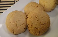 Peanut Butter Cookies: Step by step instructions on how to make the classic peanut butter cookies. Classic Peanut Butter Cookies, Peanut Butter Recipes, Baking For Beginners, Cookie Videos, Light Snacks, Cookie Desserts, Bread Baking, Cake Cookies, Food Videos