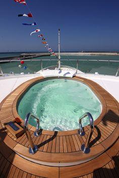 Seanna, Benetti Yachts, Exteriors #benetti #yachts #seanna #design #navigation #technology #swimming #sea