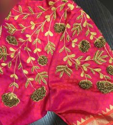 Zardosi Embroidery, Hand Work Embroidery, Embroidery Designs, Saree Blouse Neck Designs, Simple Blouse Designs, Party Sarees, Maggam Works, Blouse Models, Mirror Work