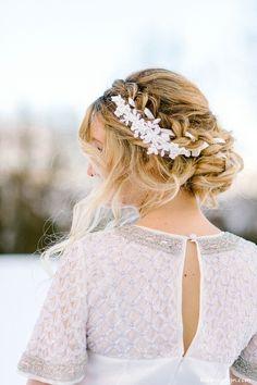 Haarschmuck & Kopfputz - Brauthaarschmuck Haarband Spitze Ivory Perlen 6 - ein Designerstück von Kido-Design bei DaWanda