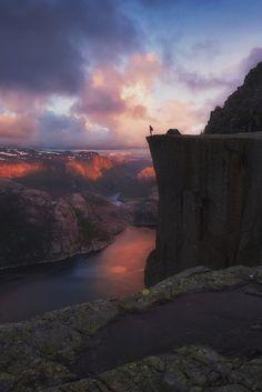 iphone wallpaper trecking sunset