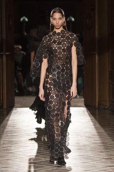 Givenchy Fall 2017 Womenswear Fashion Show