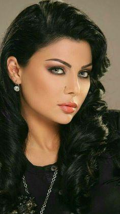 Eye For Beauty, Beauty Full Girl, Real Beauty, Beauty Women, Vaquera Sexy, Caucasian Woman, Human Poses, Brunette Beauty, Gorgeous Eyes