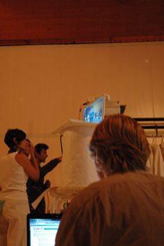 Beginning : présentation l'oeuvre More Sensitive de Carole Brandon et Franck Soudan / conférence i-média / oeuvre interactive réalisée à partir de la pièce de théâtre Sensitiv Room de la Cie In-Time. avec Sophie Mollard et Martine Calame (technique, logistique et organisation de cette conférence et de l'oeuvre Feel Sensitive sur DVD issue de la conférence). 2007