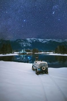 A starry ending to Valentine's Day. Andrea and I borrowed our friends 1983 Defender County for the day and ended up at our favourite bend on the Swan River Montana. by alexstrohl Landrover Defender, Land Rover Defender 110, Defender Car, Off Road Adventure, Adventure Is Out There, Land Rovers, Road Trip France, Hors Route, Camping 3