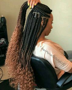 All styles of box braids to sublimate her hair afro On long box braids, everything is allowed! For fans of all kinds of buns, Afro braids in XXL bun bun work as well as the low glamorous bun Zoe Kravitz. Blonde Box Braids, Black Girl Braids, Girls Braids, Box Braids Hairstyles, Girl Hairstyles, Evening Hairstyles, Teenage Hairstyles, Hairstyles 2018, Braids With Shaved Sides