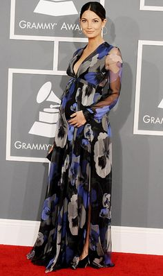 Lily Aldridge in Gucci (with her little bump) at the Grammy's