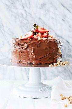 Vi får aldrig nog av choklad. Njut av en ljuvlig tårta, mjuksega cookies och läckra minipajer.