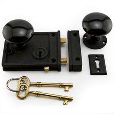 Horizontal+Rim+Lock+Set+with+Black+Porcelain+Knobs