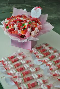 I want !!! Candy Table, Dessert Table, Candy Party, Party Favors, Candy Kabobs, Bar A Bonbon, Sweet Box, Chocolate Bouquet, Candy Bouquet