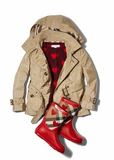 Show your love to the little one in your life with this Burberry girls raincoat, red rain boots and sweater featuring embroidered hearts. Kids Fashion Show, Baby Girl Fashion, Burberry Rain Boots, Burberry Trench, Red Rain Boots, Toddler Rain Boots, Girls Raincoat, Designer Baby Clothes, Little Fashionista