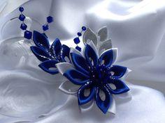 Hair Clip - Cobalt Blue Royl Blue White Silver Kanzashi Flower with Swarovski Bicone Crystals Wedding Flowers Ribbon Art, Diy Ribbon, Ribbon Crafts, Flowers In Hair, Fabric Flowers, Wedding Flowers, Flower Hair, Handmade Hair Bows, Bride Hair Accessories