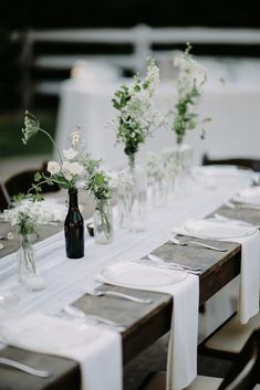 wedding trends 2019 minimalistic black white tablerunner centerpieces with flowers in glass brad and jen photography We have collected 30 super hot wedding trends Bold colors, romantic flowers, and other lovely new wedding ideas to inspire you. Minimalist Wedding Invitation, Modern Minimalist Wedding, Minimal Wedding, Minimalist Wedding Reception, Elegant Wedding, Rustic Wedding, Wedding Black, Minimalist Style, Trendy Wedding