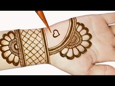 Easy mehndi designs for front hands - Simple Henna designs - Easy beautiful mehn. Easy mehndi designs for front hands – Simple Henna designs – Easy beautiful mehndi designs 2019 Henna Hand Designs, Mehandi Design For Hand, Mehndi Designs Finger, Mehndi Designs For Kids, Mehandi Designs Easy, Simple Arabic Mehndi Designs, Indian Mehndi Designs, Mehndi Designs For Beginners, Mehndi Design Photos