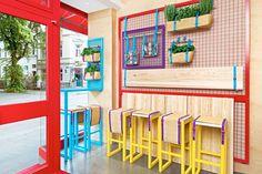 Small restaurant interior design 7