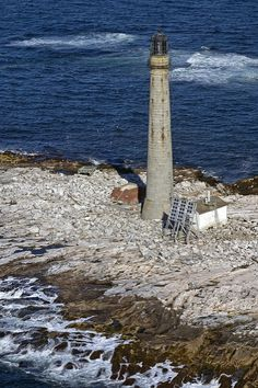Boon Island #Lighthouse - #Maine | Aerial view of Boon Island L… | Flickr    http://dennisharper.lnf.com/