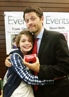 Oh. My. God. That fan. And Misha. They are literally the cutest. Oh my god I'm gonna have a heart attack. Oh my god.