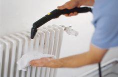 Ο ατμός εκτοξεύεται από το «πιστόλι ατμού» με ελεγχόμενη ροή. Φτάνει και στις πιο μικροσκοπικές χαραμάδες και επιφάνειες, διαλύοντας και τα πιο επίμονα σωματίδια σκόνης. Home Appliances, House Appliances, Kitchen Appliances, Appliances
