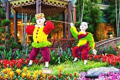 Chinese New Year Las Vegas at the Conservatory & Botanical Gardens at Bellagio 2015 Chinese New Year, Las Vegas Attractions, New Year Celebration, Conservatory, Botanical Gardens, Couture, Usa, Flower, Celebrities