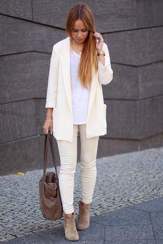 » Blazer (Zara) » T-Shirt aus Leinen (H&M) » gewachste Hose (Zara) » Dicker Boots (Isabel Marant)...