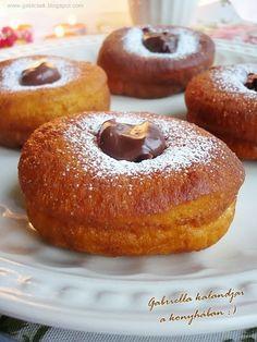 Gabriella kalandjai a konyhában :): Csokoládékrémes fánk