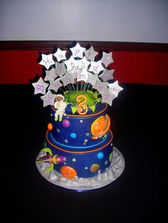 Spaceship Cake | Flickr - Photo Sharing!  Love the stars.