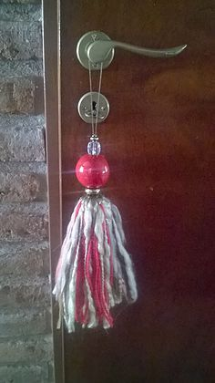 Diy Tassel, Tassels, Twine, Fiber Art, Dream Catcher, Scrapbook, Diy Crafts, Drop Earrings, Crafty