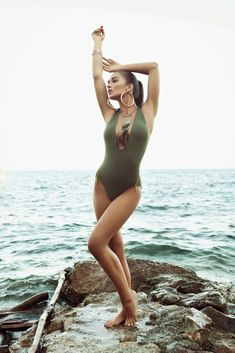 Amy Jackson Latest Bikini Photoshoot HQ Photos