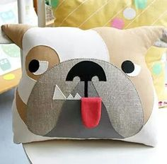 Summertime at Tante Tin Cute Pillows, Throw Pillows, Sewing Crafts, Sewing Projects, Felt Pillow, Dog Quilts, Sewing Pillows, How To Make Pillows, Animal Pillows