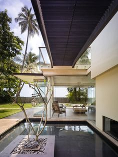 Gallery of Villa Ribander / Raya Shankhwalker Architects - 3