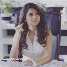 Maya Photo, Angry Girl, Jennifer Winget Beyhadh, Celebrity Wigs, Jennifer Love, Looking Gorgeous, Beautiful, Girls Dpz, Celebs