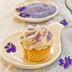 Nancy Baggett's Kitchenlane: Homemade Violet Decorating Sugar--Naturally Beautiful, Dye-Free Pastry Decorating