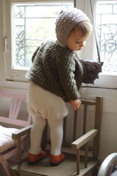 Baby in bonnet - Madame Chacha Cute Kids, Cute Babies, Baby Kids, Baby Boy, Little Fashion, Baby Girl Fashion, Kids Fashion, Estilo Retro, Stylish Kids