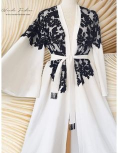 Abaya Fashion, Kimono Fashion, Fashion Dresses, Mode Abaya, Mode Hijab, Elegant Dresses Classy, Moslem Fashion, Iranian Women Fashion, White Embroidered Dress