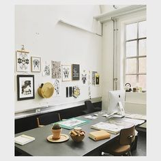 The Diagonal Wall Basket fits beautifully with the artworks in this graphic design studio. Baskets On Wall, Wall Basket, Have A Great Monday, Graphic Design Studios, Office Storage, Architectural Digest, Scandinavian Interior, Elle Decor, Gallery Wall