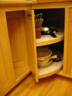 New Kitchen Corner Cabinet Ideas Lazy Susan Doors Ideas Minimalist Kitchen Cabinets, Best Kitchen Cabinets, Kitchen Cabinet Storage, Kitchen Cabinet Hardware, Kitchen Cabinet Design, Storage Cabinets, Corner Cabinets, Kitchen Shelves, Kitchen Modern