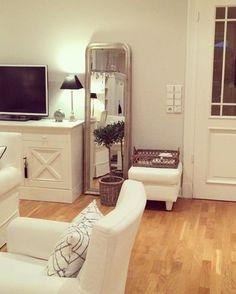 Imagine....! (Tap on the video) . #interiorinspiration #interiordecorating #interiordecoratingideas #interiorforinspo #interiorstyling #interiorandhome #instadecor #instahome #inspohome #igdesign #decorating #houseandhome #eleganceroom #inspire_me_home_decor #interior_and_living #inredning #interior_magasinet #asafotoninspo #wohnkonfetti #whitehome #wohnen #wohneninweiss #boligmagasinet #chalkpaint #paintedfurniture #germaninteriorbloggers