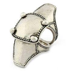 Retro fashion shield ring