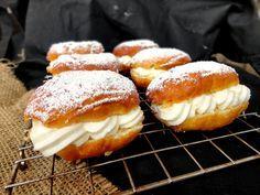 cocinaros: Krapfen (donuts alemanes)  http://cocinaros.blogspot.com.es/2014/02/krapfen-donuts-alemanes.html