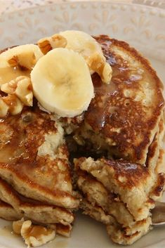 "Easy Banana Nut Pancakes ""This has to be one of the best pancakes I have ever had. They smell wonderful and taste like banana nut bread! When you make these on a Sunday morning, they disappear before you know it. Banana Nut Pancakes, Tasty Pancakes, Pancakes And Waffles, Buttermilk Pancakes, Banana Nut Bread Easy, Banana Nut Cake, Pumpkin Pancakes, Breakfast Desayunos, Breakfast Dishes"